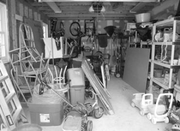 slatwall messy garage