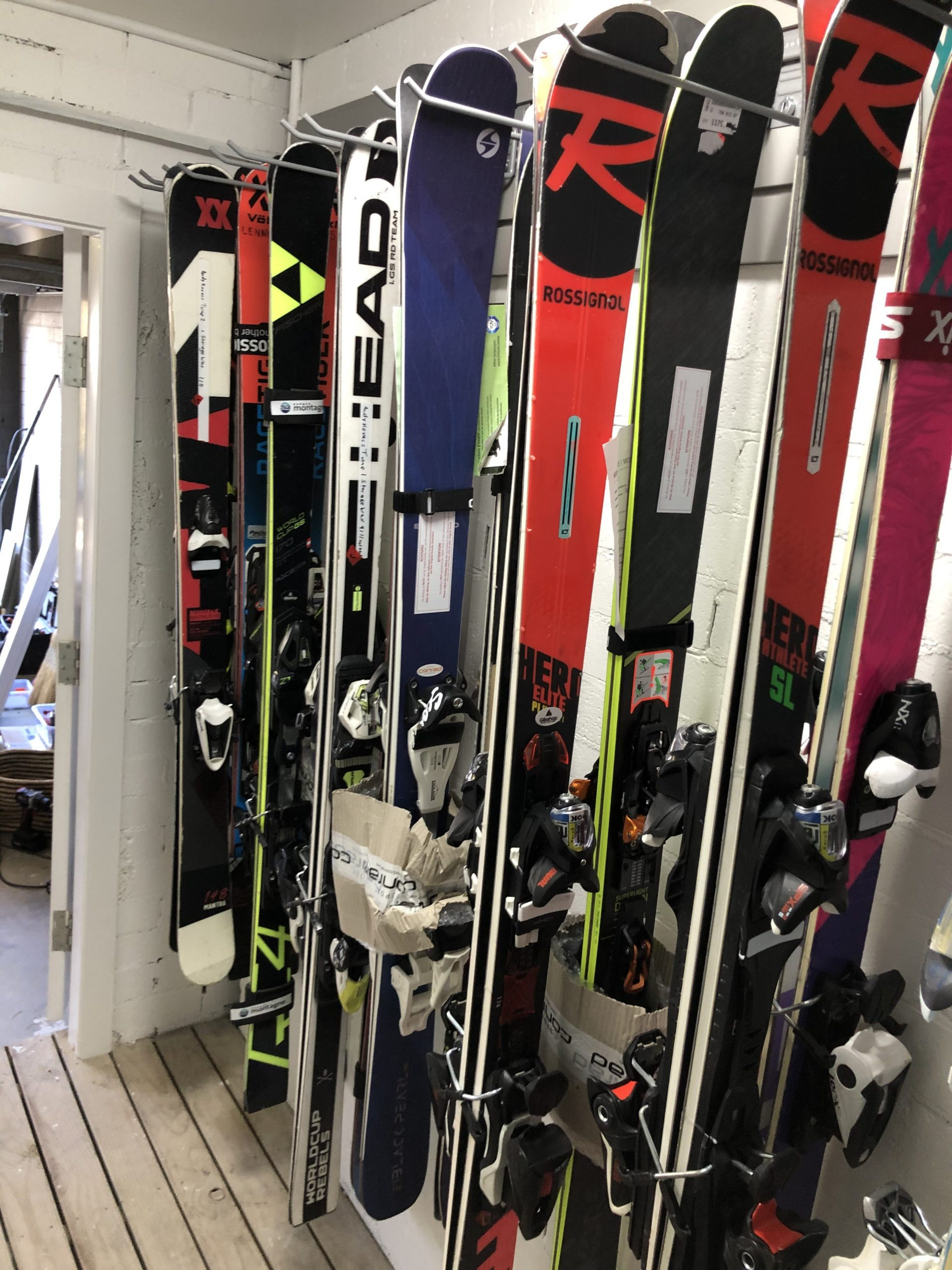 StoreWALL for Skiing Equipment