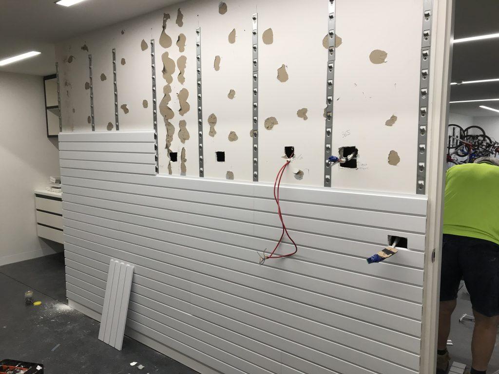 StoreWALL installstrips